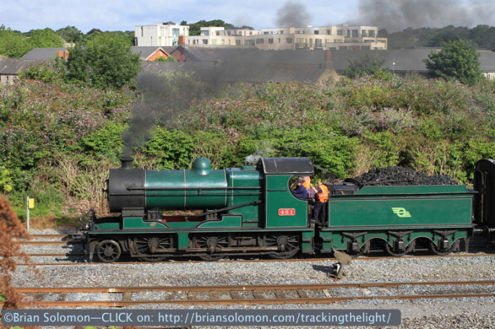 Locomotive 461 at Islandbridge Junction. I can near see my apartment from here.