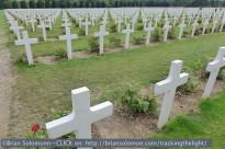 Douaumont_War_Memorial_grave_yard_P1050634