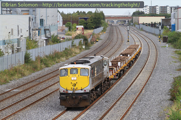 Irish_Rail_rail_trucks_at_Clondalkin_MOD1_IMG_8572