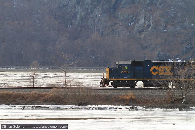 CSX local pause north of Cold Spring, New York. He was a photo opportunity, but it would last long. Canon EOS 7D 100mm lens.