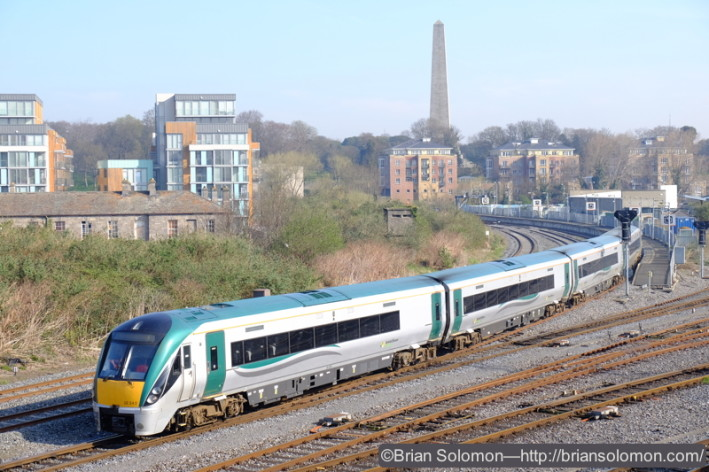 Irish Rail ICRs (Intercity Railcars) are making their daily transfer from Connolly to Inchicore. Where's the LWR? Did I miss it? Patience . . .