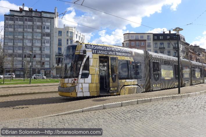 STIB_Nostalgie_Tram_Station_at_Schaerbeek_P1180997