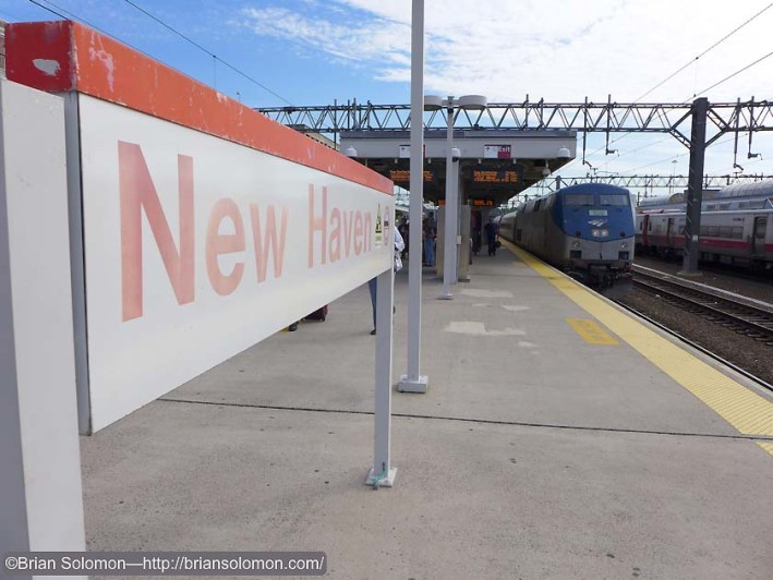 Amtrak 495 at New Haven. Lumix LX7