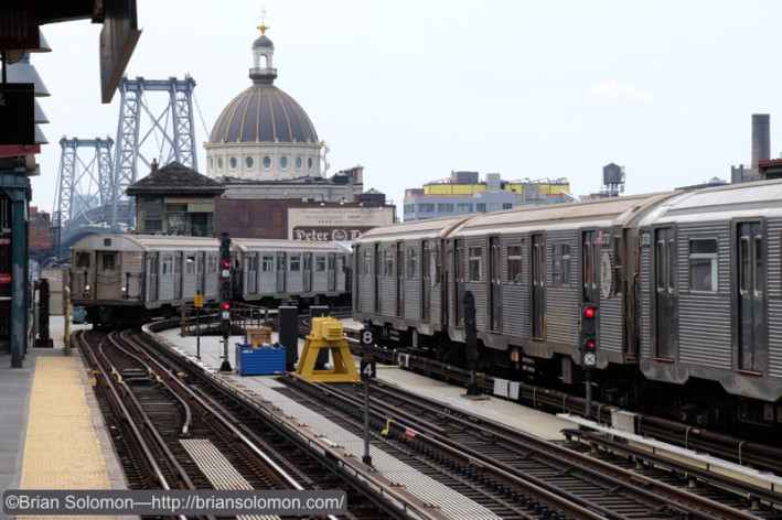 NYCTA_R32s_EL_Marcy_Ave_coming_and_going_DSCF1423